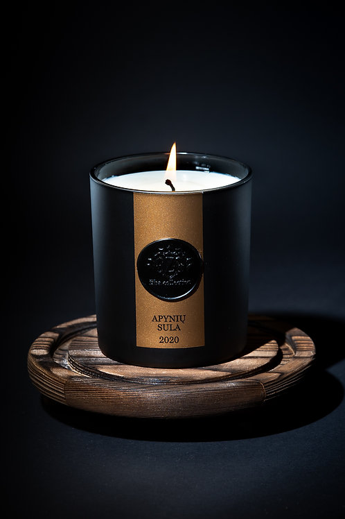"""ŽIBA COLLECTION kvapnioji rankų darbo sojų vaško žvakė """"Apynių sula"""""""