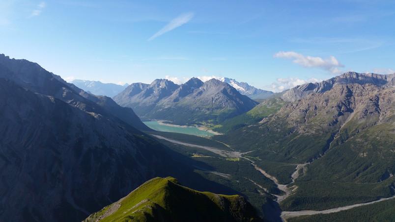 Blick-über-die-Grenze-Lago-di-San-Giacom