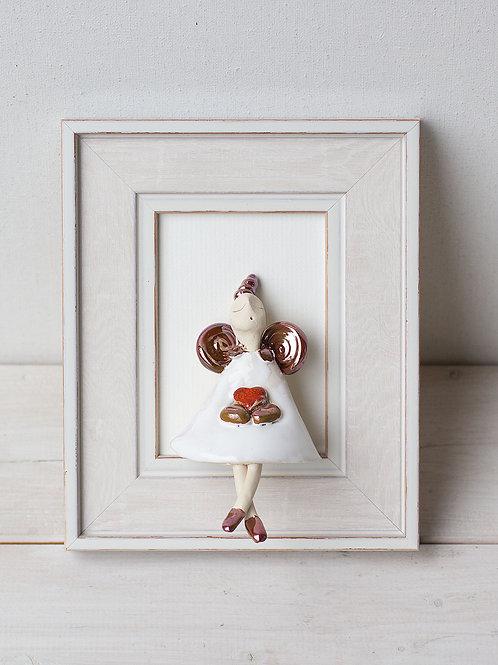 """MOLINUKAI.LT rankų darbo keraminis paveikslas """"Angeliukas su raudona širde"""