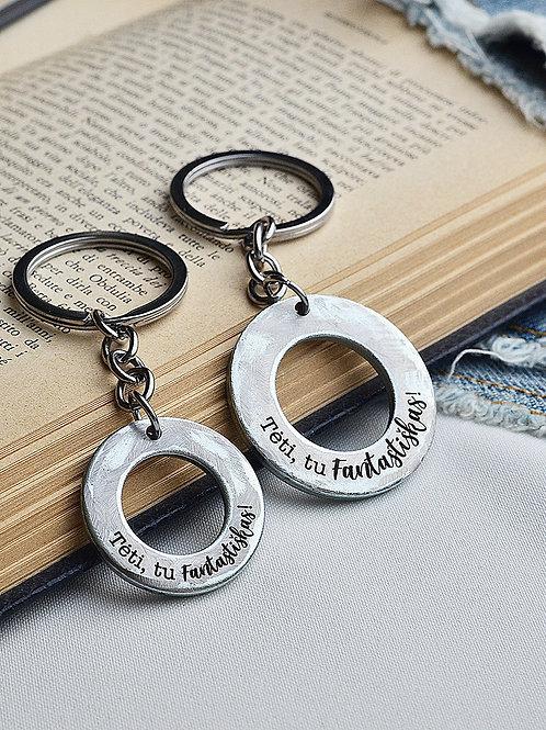 LOVEIN dovana tėčiui: raktų pakabukas su individualiu graviravimu