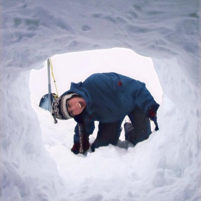 Lawinenkurs für Schneeschuhläufer. Weil die Lawinenproblematik auch für Schneeschuhläufer ein Thema ist!