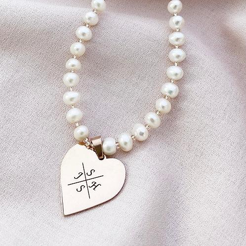 LOVEIN perlų vėrinys su šeimos inicialais