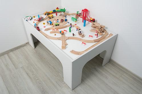 MARGAS GENYS vaikiškas staliukas traukinukų trasoms ir miestui