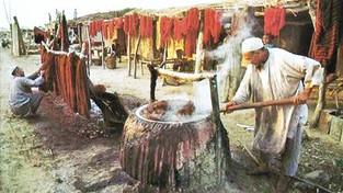 Natuurlijke kleurstoffen in het Perzische tapijt.
