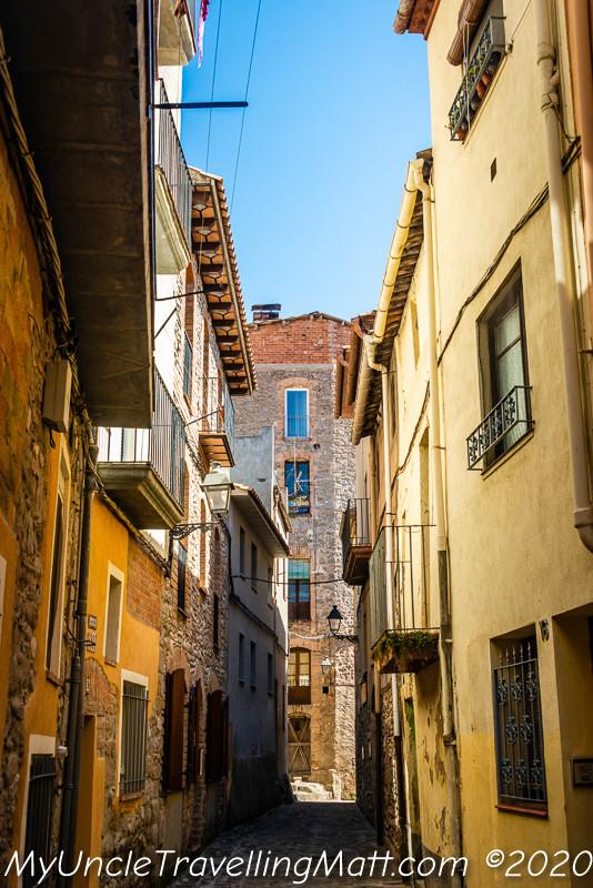streets town gironella catalunya