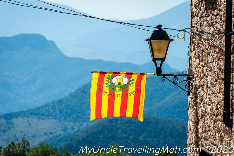 Castellar de n'Hug village poble catalunya