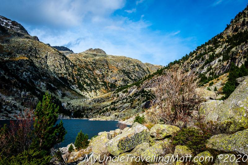 Presa de Cavallers hike sun mountains
