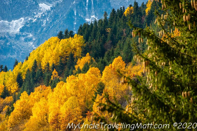 colours mountains autumn countryside green yellow