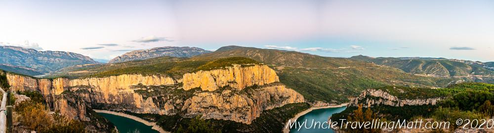 El Balconet panoramic view mountains