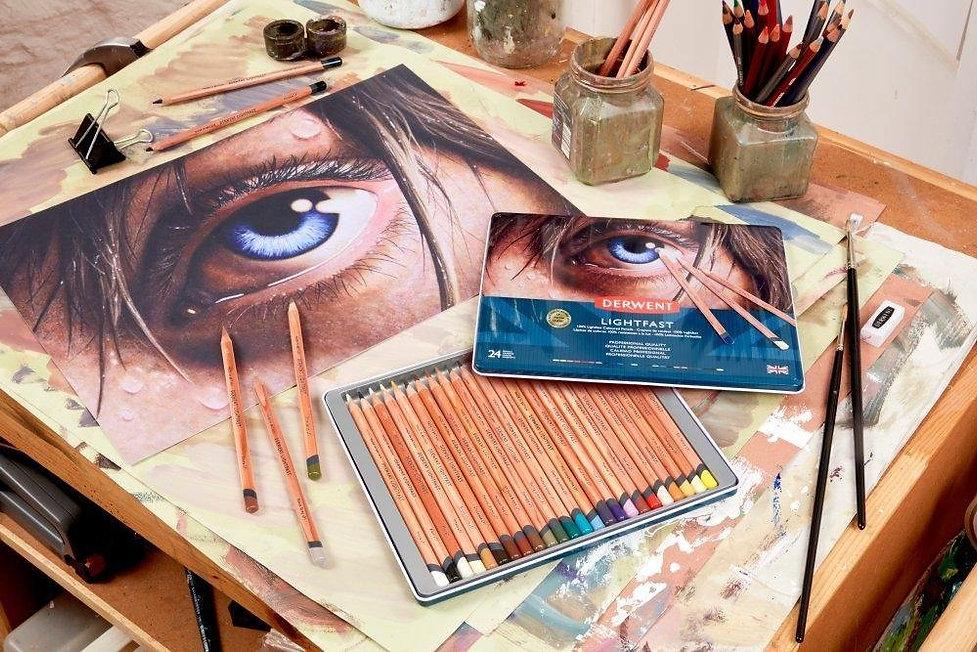 Derwent_Professional_100_Lightfast_Oil-based_Coloured_Pencil_Sets.jpg