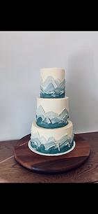 Mountain Themed Weddig Cake