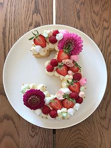 Number 3 cream tart cake