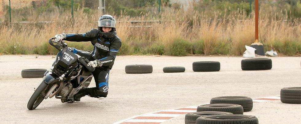 Conducción profesional moto Valencia.jpg