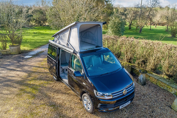 VW Camper California 6.0 with Roof and Side Door Open