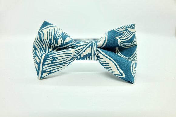 Hawaiian Design Cat Bow Tie
