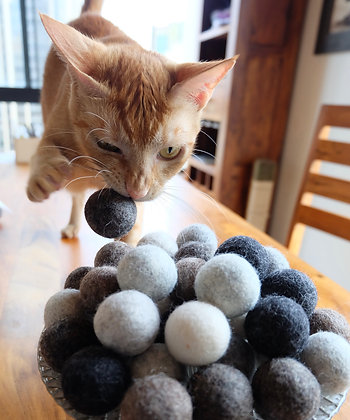 100% Natural Color Wool Cat Ball
