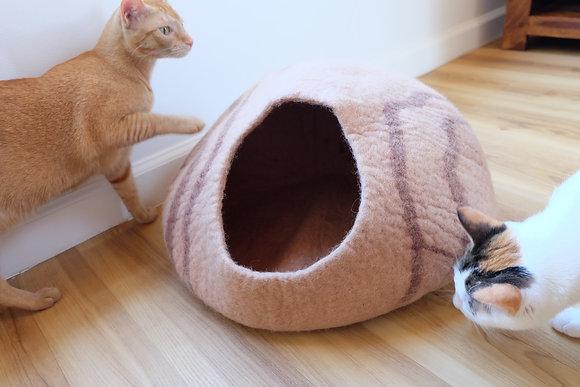 Cat Cave, Natural felt Wool, Cat Bed, Cocoon bed