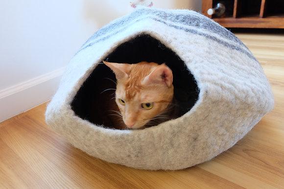 Cat Cave, 100% Natural Wool