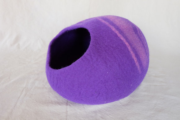 Cat Cave, Natural felt Wool, Cat Bed, Cocoon bed