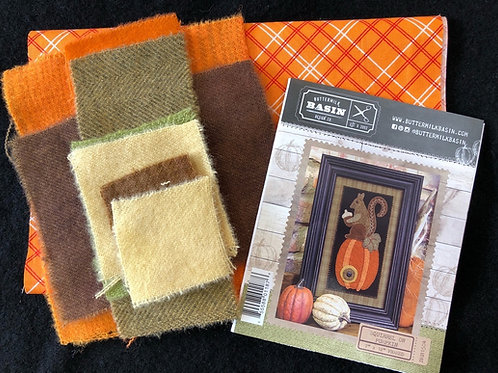 Squirrel on Pumpkin Wool Kit