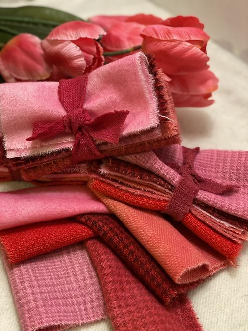 Wool Roll - Mini - Sweetheart Pinks