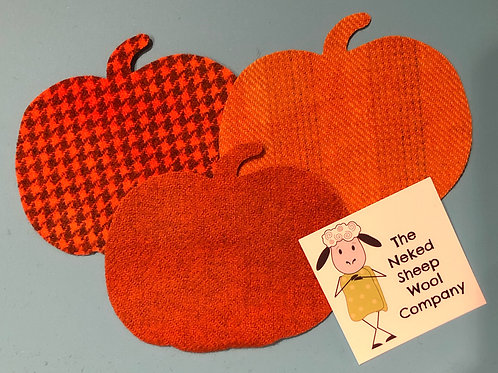5 Pre-Cut 100% Hand Dyed Wool Pumpkins