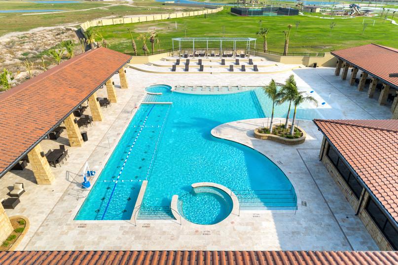 Tres Lagos Pool - Exterior 1.jpg