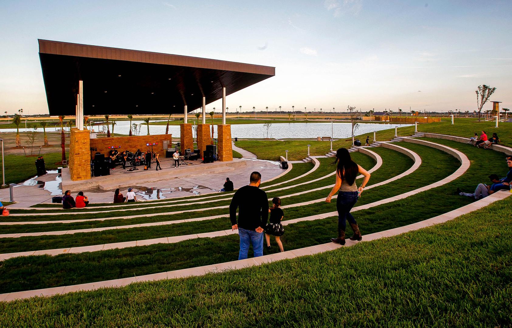 Tres Lagos Amphitheater 1.jpg