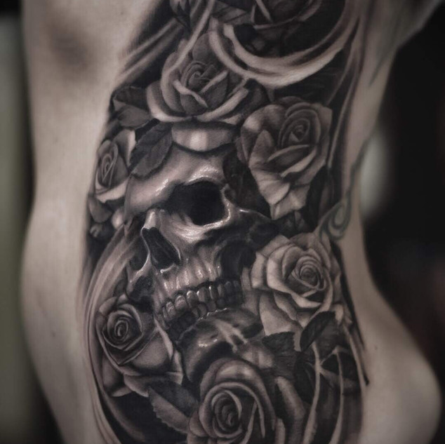 best-tattooist-uk-rib-tattoos-darren-wright