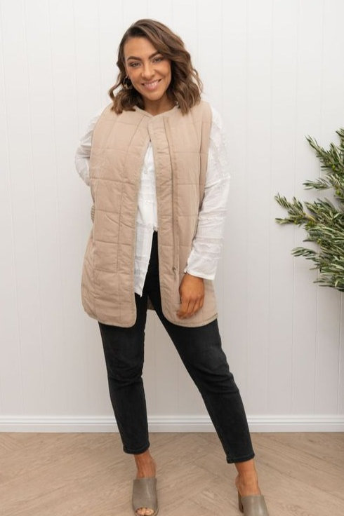 Lumi Long Vest by The 8th Letter