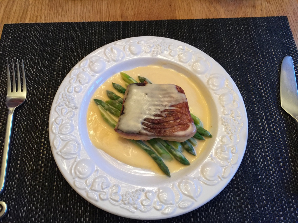 Asparagus and Salmon with Hollandaise