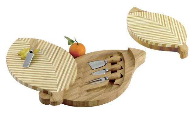 CK3013 leaf shape bamboo chess board w 4