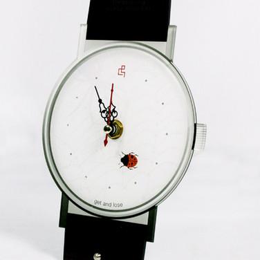 Desktop Watch Design 8