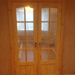Burton on Trent Carpenter & Joiner - new wooden door hanging example