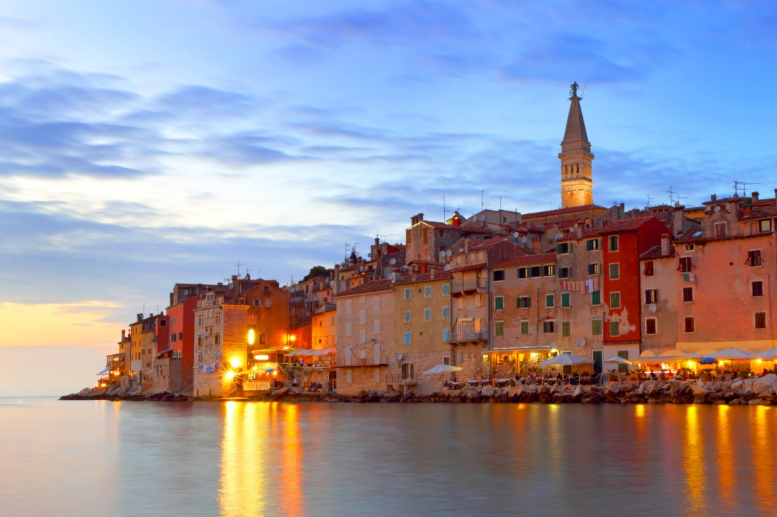 nightlife-in-istria-rovinj-with-night-time-lighting-croatia-741-8b24
