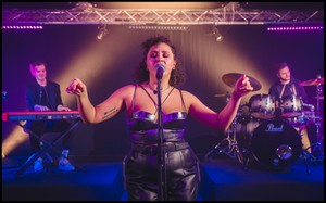 Disco Anthemic Live Hannah3.jpg