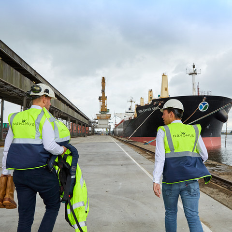 Navonus port agency & cargo survey - Stock / website