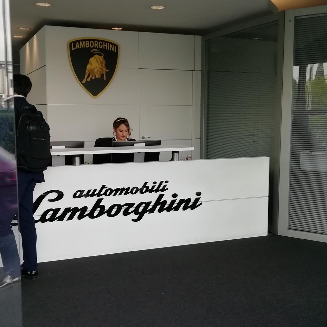 Recepcion Lamborghini