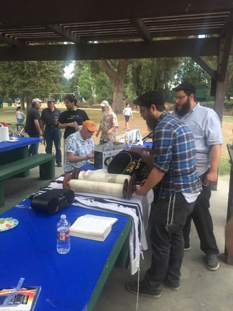 Reading the torah at BBQ