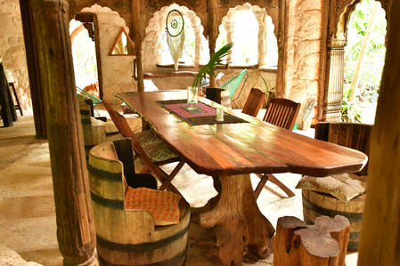 Main House Dinning Table