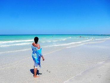 AHA-Gast Cathrin mit ihrem Djeba-Meer. Nur rund Fussminuten von ihrem Ferienhaus entfernt.