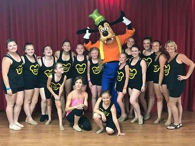 ABC Walt Disney World class with Disney performer & Goofy!