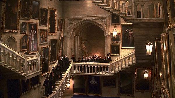 hogwarts-staircase-1200x676.jpg