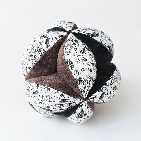 WEE GALLERY - Balle sensoriel contrasté en coton bio