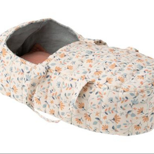 MA quilt carry cot blue