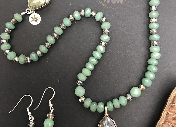Jade Teardrops Necklace & Earrings Set