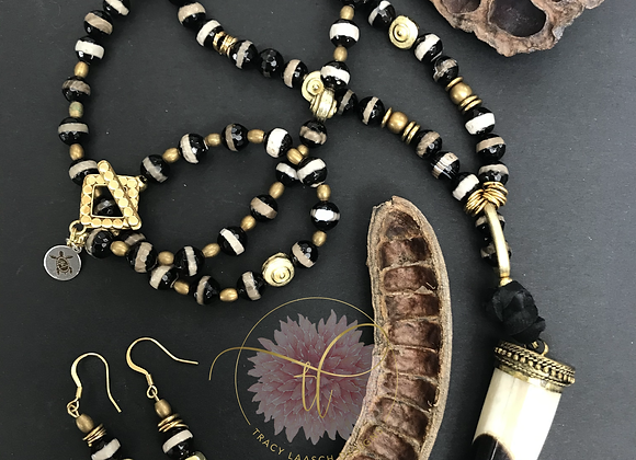 Horn of the Golden Zebra Necklace & Earrings Set