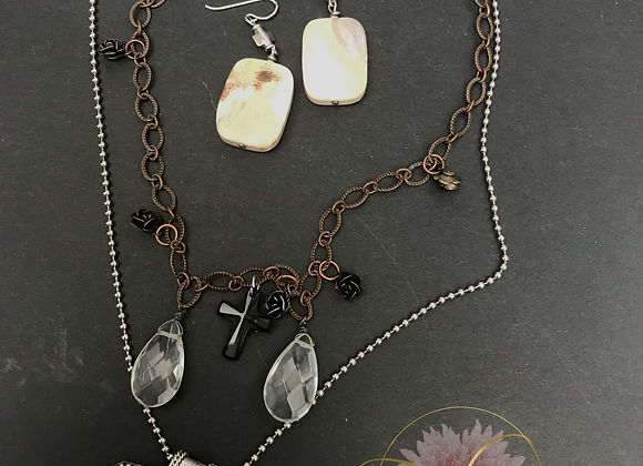 Teardrops and Roses Necklace & Earrings Set