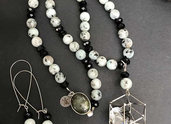 Crystals & Kiwi Necklace & Earrings Set