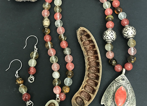 Fishing in the Corals Necklace & Earrings Set